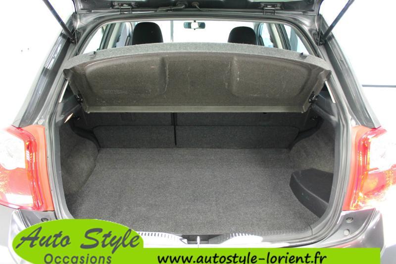 voiture d occasion toyota auris hsd 136h millenium 15 5p berline lanester 11490. Black Bedroom Furniture Sets. Home Design Ideas