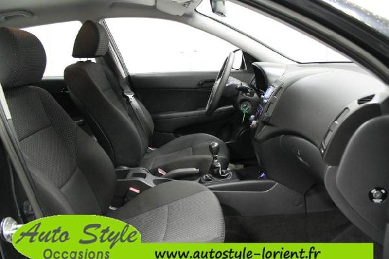 voiture d occasion hyundai i30 1 6 crdi90 pack clim 5p berline lanester 7990. Black Bedroom Furniture Sets. Home Design Ideas
