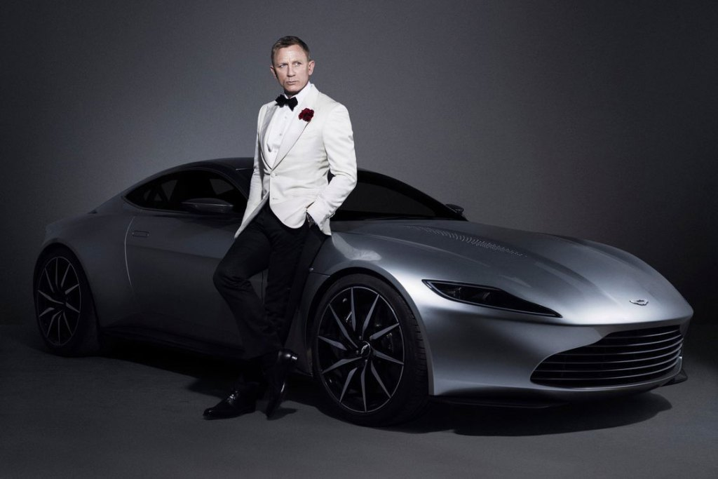 james bond et sa voiture